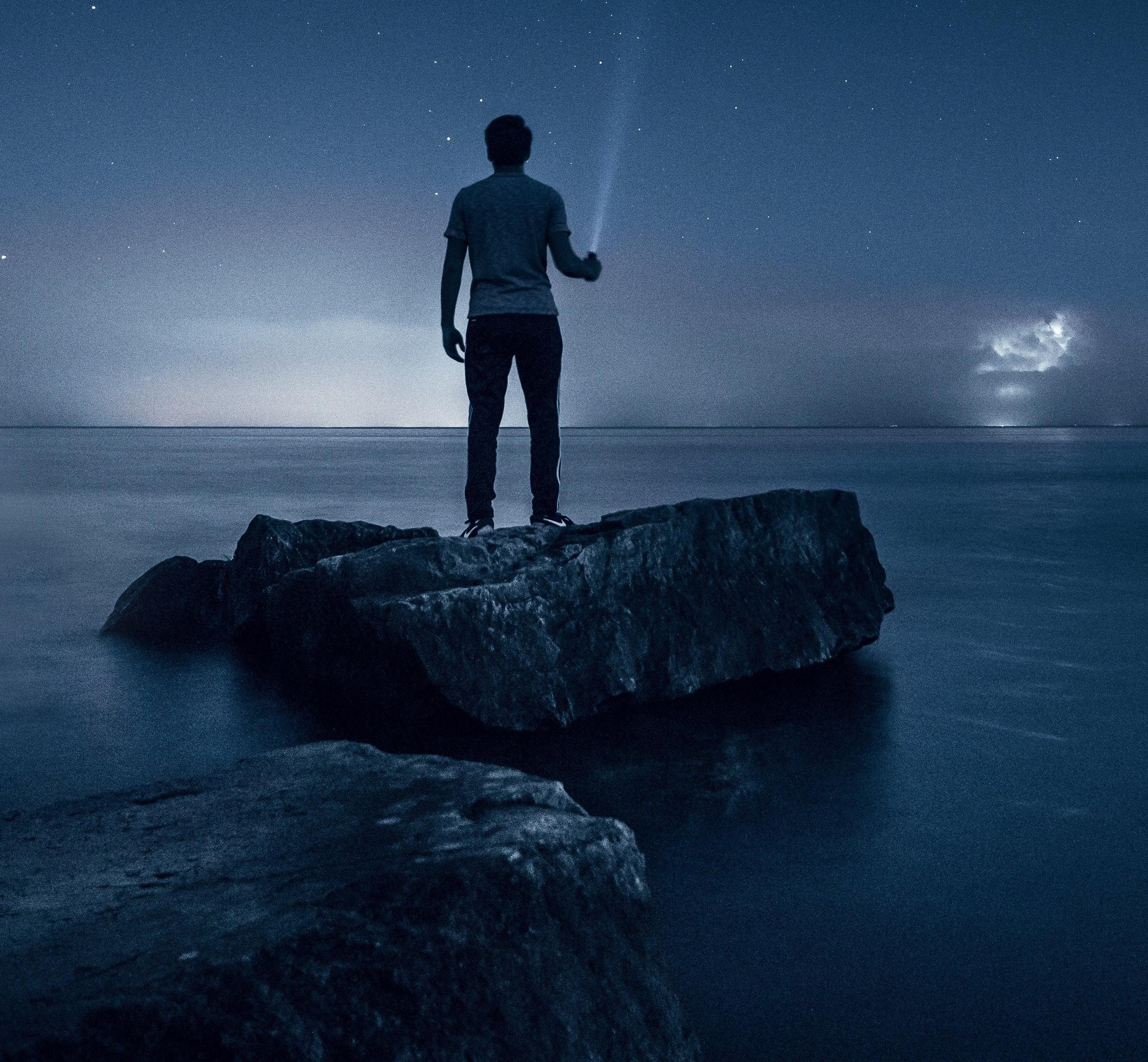 Trusting God When the Future seems Uncertain https://beckielindsey.com/2018/10/29/trusting-god-when-the-future-feels-uncertain/
