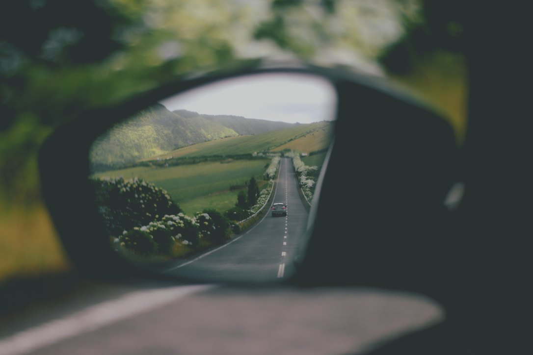 Rearview mirror jorge-caetano-733575-unsplash