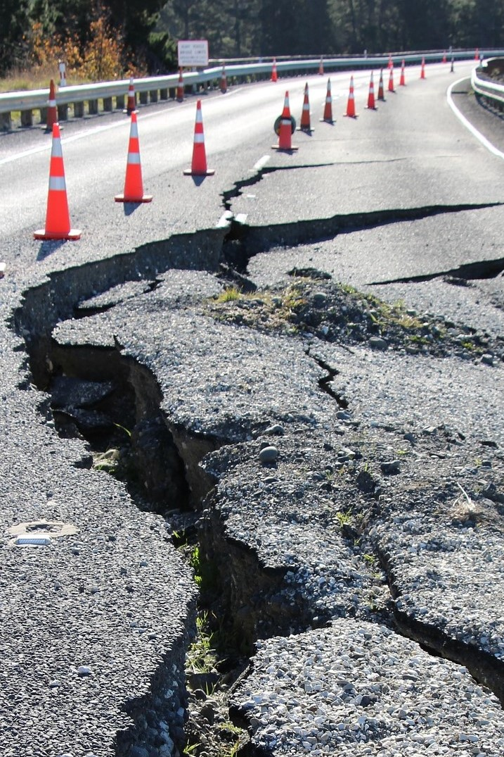 Eartquake crack in road.jpg3